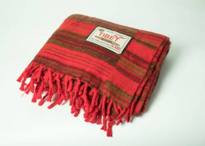 Manta tibetana roja