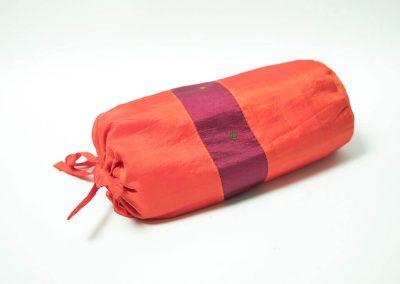 Saco morado y naranja